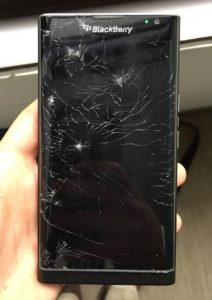 Замена стекла Blackberry Z3
