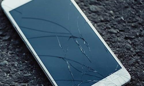 Возможна ли замена на смартфоне только стекла?